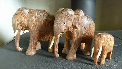 Job lot 3 x VINTAGE HAND CARVED WOODEN ELEPHANTS - FAMILY GROUP