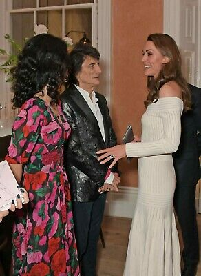 photo 10*15cm 4x6 INCH  KATE MIDDLETON et rolling stones (1317)