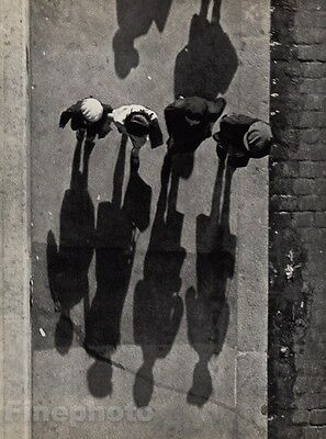 1931/72 Andre Kertesz Vintage Children Sidewalk Shadows Paris Photo Gravure Art