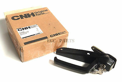 """New Holland """"30 Series"""" Tractor Cab Out Door Handle (Latin America) - 5108382"""