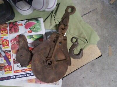 ANTIQUE VINTAGE CAST IRON WOOD BARN FARM PULLEY Hay loft NEY MFG.  RUSTIC Set