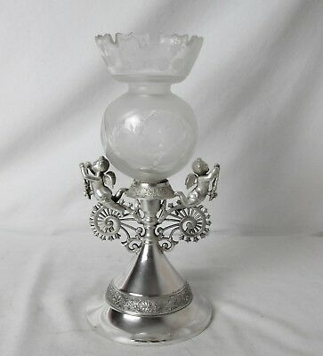 !864 Middletown Silver Plated & Glass Vase With Cherubs Rare Piece