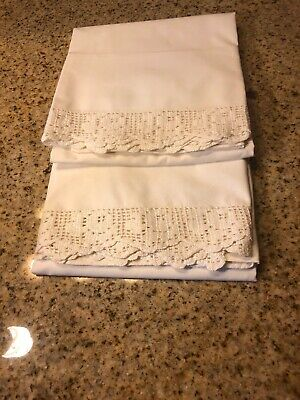 """Vtg Pair of All 100% White Cotton Pillowcases With 1 3/4"""" Crocheted Trim"""