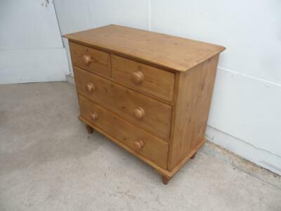 A Lovely Waxed Victorian Antique/Old Pine 4 Drawer Chest of Drawers