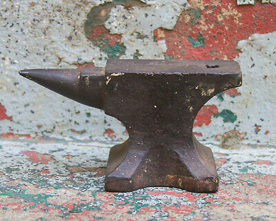 Vintage Anvil 5 Pound Blacksmiths Tool Small Barn Find Horn Hardy Hole Littlle