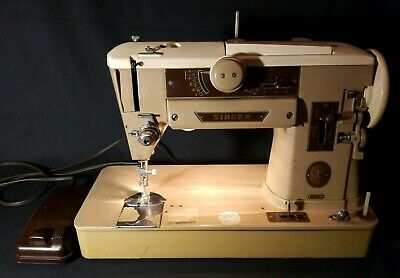Vintage Singer 401A Slant-O-Matic Sewing Machine, W/ Foot Pedal NICE