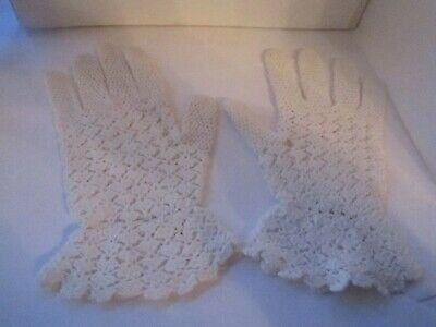 Vintage 1950s hand crochet gloves white Wedding Bridal size small