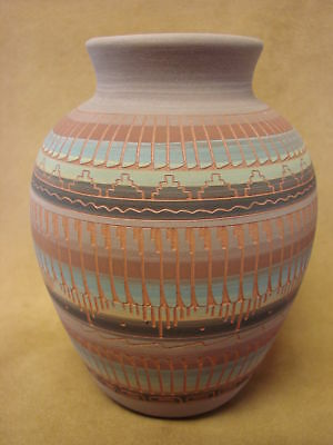Native American Indian Hand Etched Pot by Mirelle Gilmore! Pottery Vase PT0023