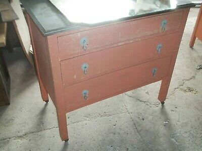 Large Victorian English Pitched Pine Dressing Table, Set Of Draws.