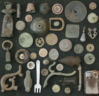 Mix Of Antique Artifacts Metal Detecting Find (AVG01)