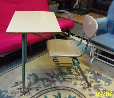 Student DESK w/built in chair & basket VINTAGE? one piece Home School/Classroom