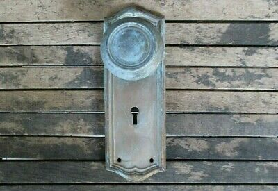 VTG Antique Old DOOR KNOB & BRASS BACKPLATE Country RUSTIC Farmhouse Cottage