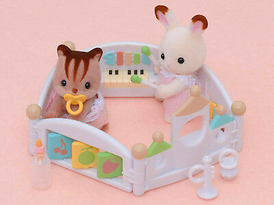 Sylvanian Families Calico Critters Baby Playpen