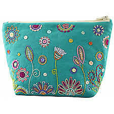 Trousse turquoise -Turquoise Pouch - Embroidery Kit  by Un Chat Dans L'aiguille