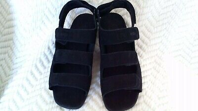ECCO SOFT WOMAN Sandals sz 40 U.S sz 9 Black Leather Adj
