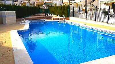 Costa Blanca South: 3 Bed Villa + Wi-Fi + Overlooking Pool + A/C - Villamartin