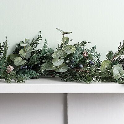 Christmas Garland Frosted Berry & Pinecone Decoration Indoor&Outdoor Lights4fun