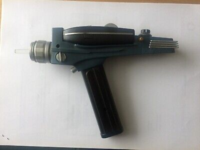 Star Trek TOS Classic Phaser With Lights and Sounds