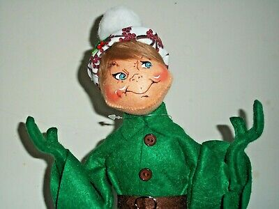 "Annalee Doll 14"" WINTER BERRY  ELF GREEN NWT Blue Eyes & Closed Mouth Smile"