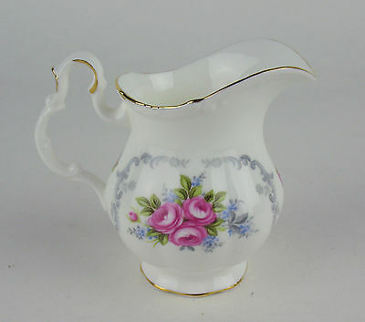 Small Creamer Royal Albert Tranquillity tranquility vintage England cream jug