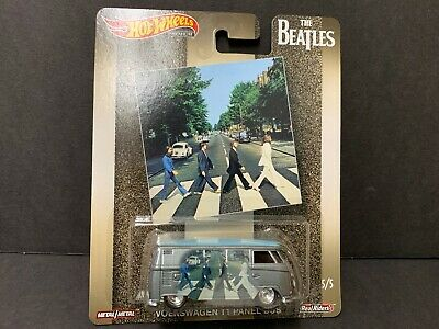 Hot Wheels Volkswagen T1 Panel Bus The Beatles DLB45-946A 1/64 Damaged Card