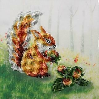 VDV Bead Embroidery Kit - Squirrel With A Nut