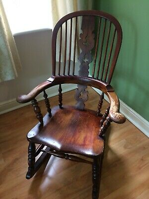 Victorian Windsor style Vintage / Antique Rocking Chair from early 19th Century