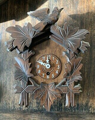 Small GERMAN BLACK FOREST STYLE CUCKOO Clock Vintage 1950's