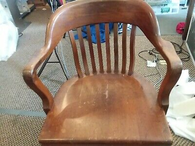 Gunlocke, Solid Wood Antique Vintage Bankers Lawyers Office Desk Swivel Chair