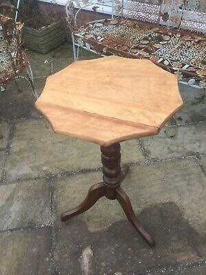 Antique Georgian satinwood tilt top supper table wine turn pedestal  tripod legs