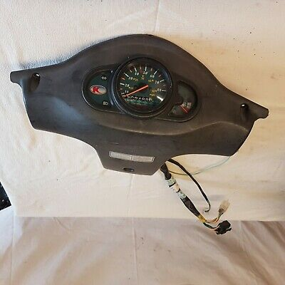 Kymco 50 speedo   ,low miles 09488