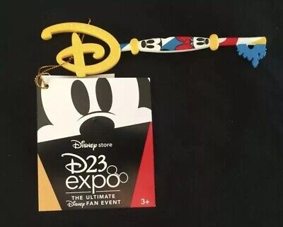 D23 Expo 2019 Disney Store Mickey & Minnie Key Special Edition Con Exclusive