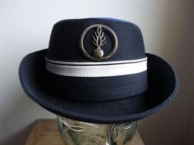 postillon gendarmerie nationale France femme obsolète