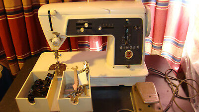 Vintage Singer #  655 G Sewing Machine with cams & some accessories /Germany