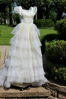 Size S Auth 1950'S Wedding Dress Fit And Flare Layers Of Ruffles