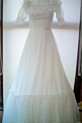 SIZE 8 VINTAGE WEDDING DRESS..WHITE WITH HOOP ....1980s...SOLD AS SEEN..VGC