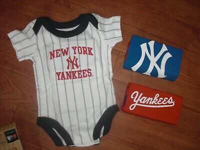 Bnwt Majestic New York Yankees Infant 3 Pack Romper Suits Age 0-6 Months