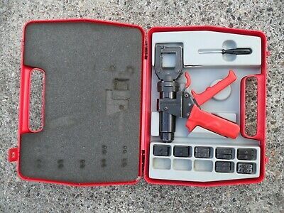RS Pro hydraulic crimper + 16mm2 to 120mm2 dies in case Crimping tool D36 series
