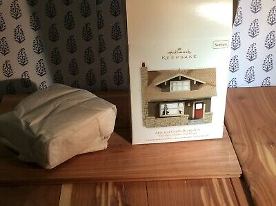 Hallmark Keepsake 2011 Arts and Crafts Bungalow Nostalgic Houses Shops Ornament