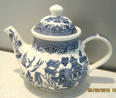 Large Churchill Willow Pattern Teapot 1.2 Litres Blue And White Tableware