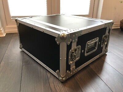 Rhino 4u Flight Case with Shockmount and Twin Doors - In Great Order