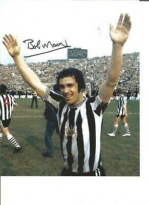 Football Autograph Bobby Moncur Newcastle United signed 10x8 in Photograph JM96