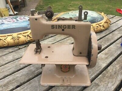 "1950`s Singer Vintage Toy Sewing Machine 7"" long x 7"" high x 3"" wide"