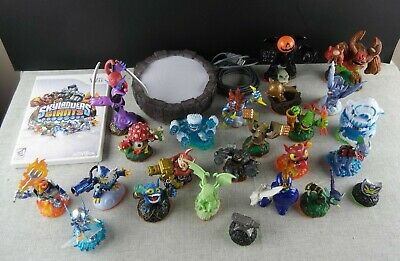 Skylanders Giants Lot of 24 Figures Portal and Game Starter Pack Mixed Wii