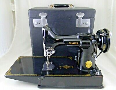 Singer Featherweight Sewing Machine 221-1, Great Condition
