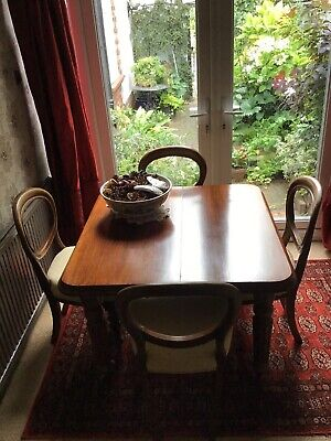 Victorian Mahogany Extending Breakfast Table With Chairs