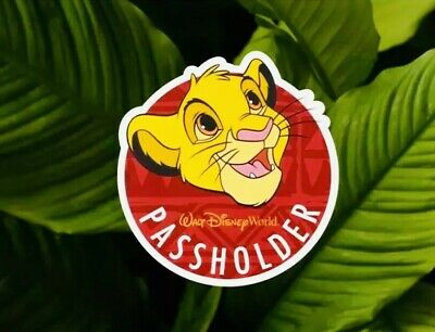 AUTHENTIC Disney Passholders limited Edition SIMBA Magnet From Animal Kingdom.