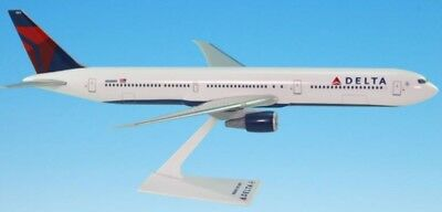 Flight Miniatures Air Holland Airlines 1988 Boeing 767-200 1:200 Scale Genisis Worldwide