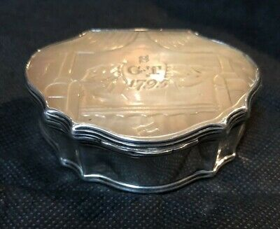 Beautiful Antique Sterling Silver & Etched Mother of Pearl Snuff Box Dated 1795