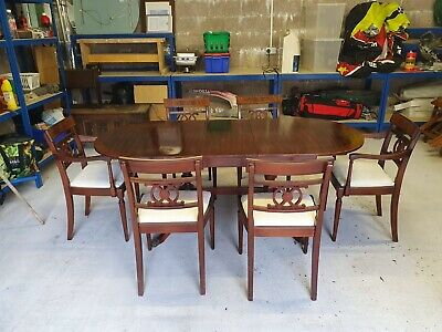 Victorian Style Extendable Dining Table